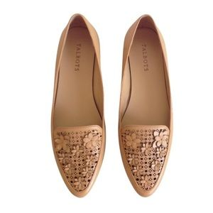 Talbots Leather 3D Floral Pointy Flats in Tan